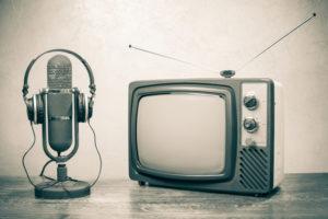 oude TV en microfoon
