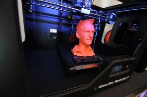 A 3D printing popup store in BHV Le Marais (Paris)