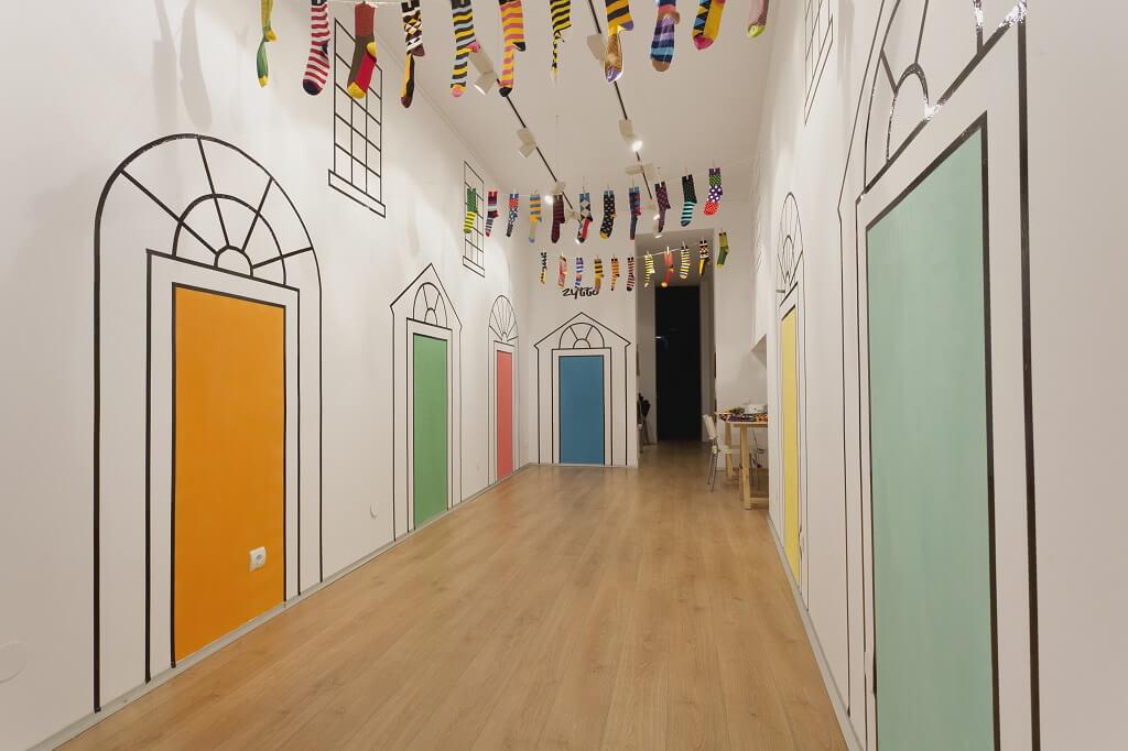 Zytto pop-up store presents a Irish rain of colorful socks in Barcelona