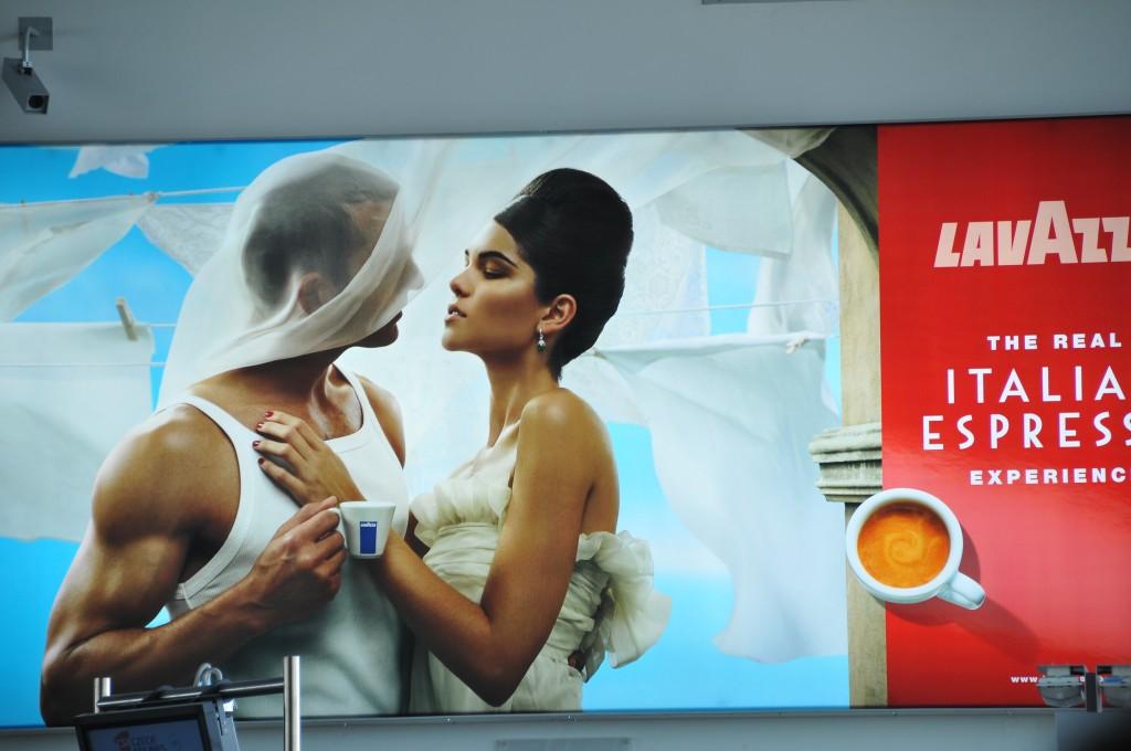 The clichés of Lavazza's advertisement