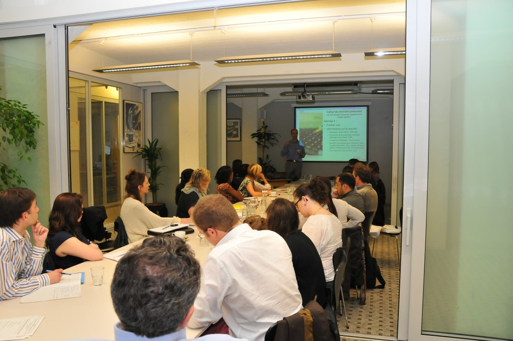 "Success for the first edition of the seminar ""market research for startups"""