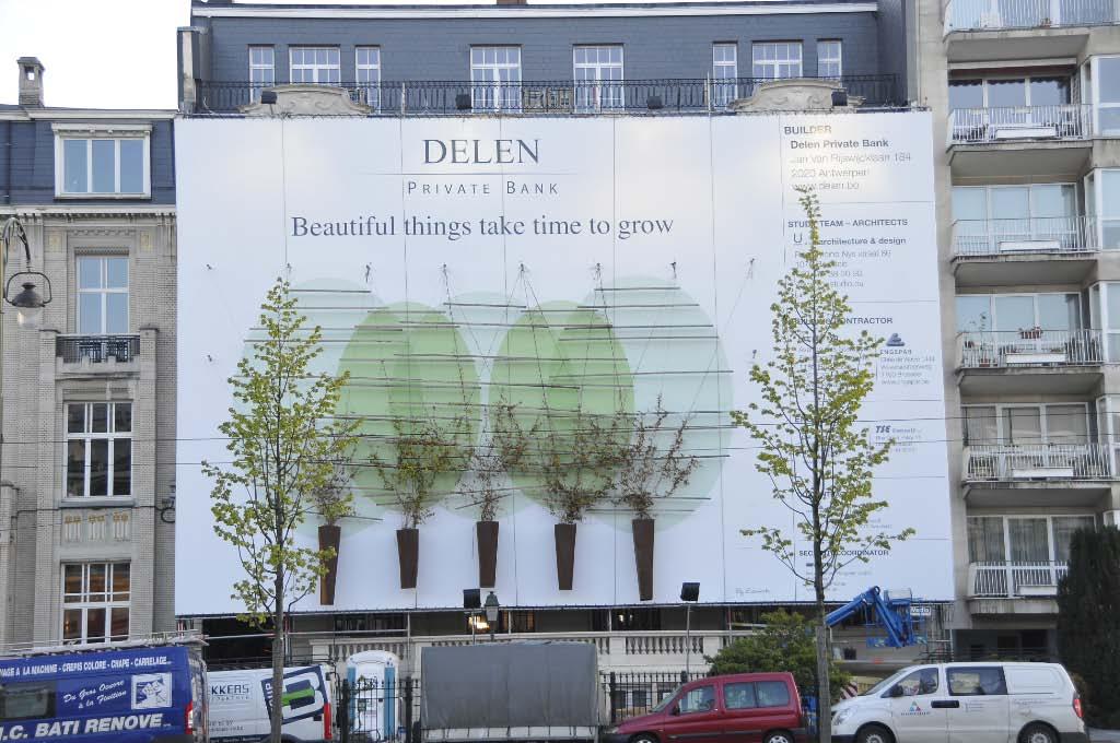 La banque privée Delen s'offre une extraordinaire bâche publicitaire