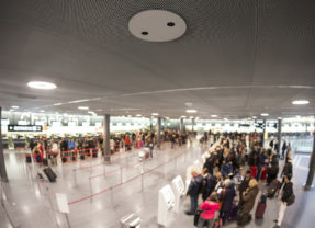 Covid-19: how to ensure social distancing in retail stores and airports?