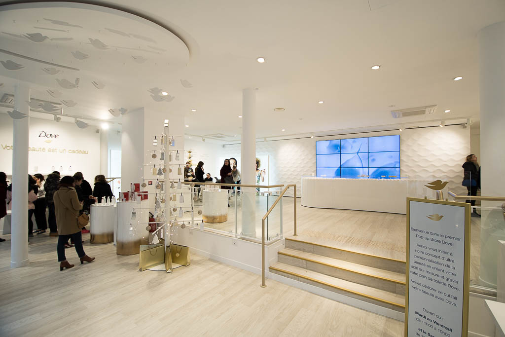Dove opens first popup store in Paris : it's superb