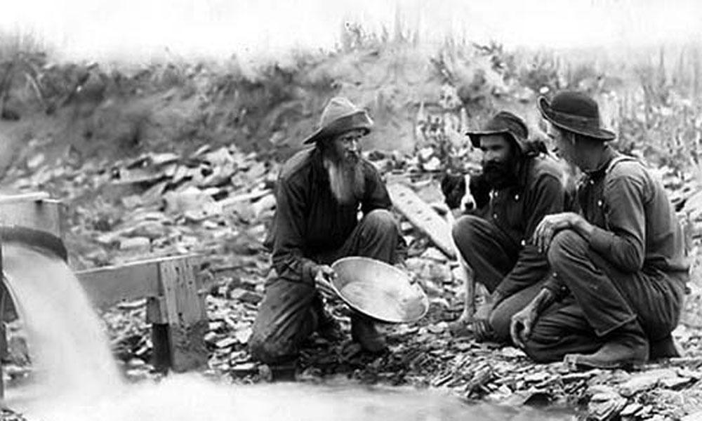 orpailleurs lors de la ruée vers l'or au Klondike (Canada) au XIXème siècle
