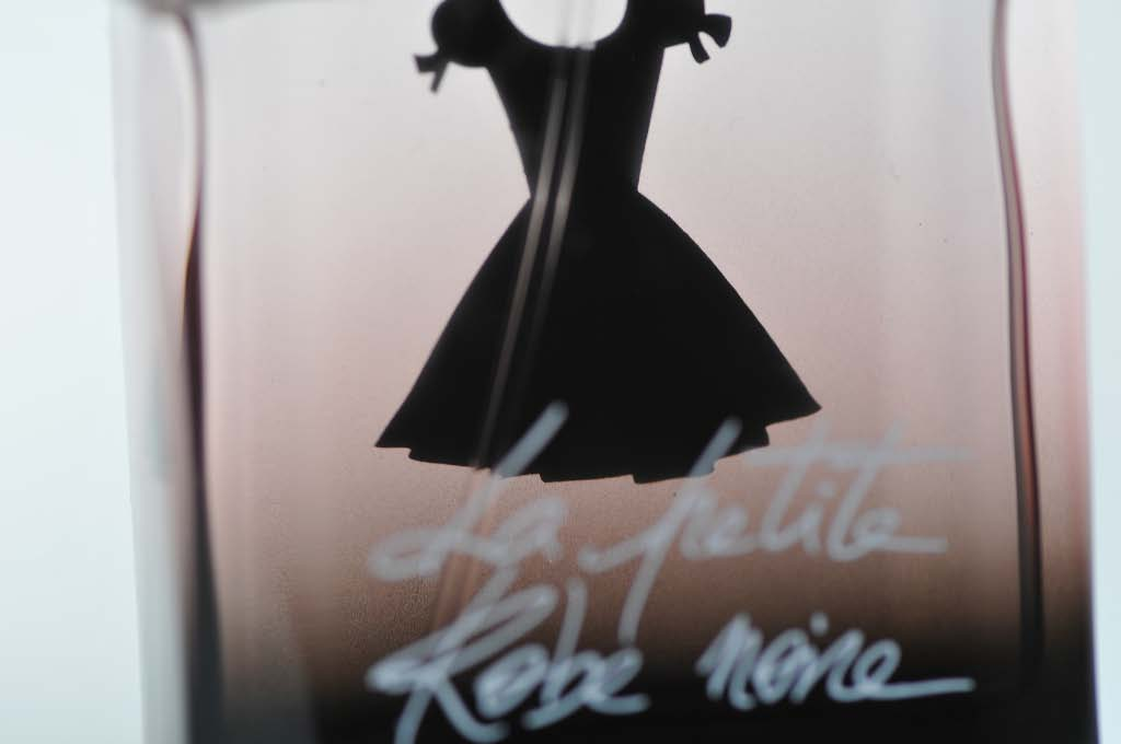 "Anatomy of a packaging: Guerlain's ""La Petite Robe Noire"""