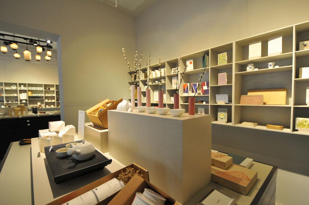 paper tea een prachtige conceptstore in het centrum van berlijn. Black Bedroom Furniture Sets. Home Design Ideas