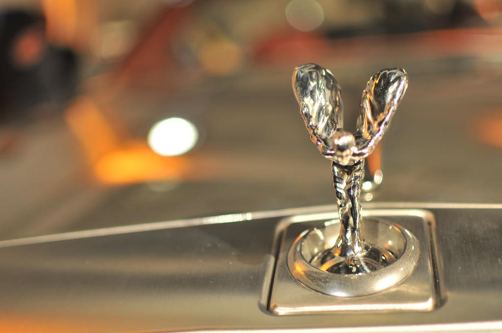 Rolls-Royce mixes references in the drophead coupé