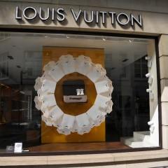 Louis Vuitton's stores' windows enhanced through multimedia