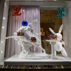 Christmas windows : Louis Vuitton's partnership with Jeff Koons